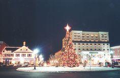 Lincoln Square, Gettysburg, PA at Christmas by gettysburgcvb, via Flickr