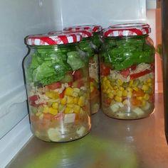 Salada no pote (feita por mim)