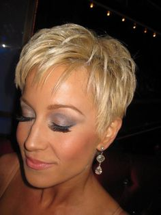 Kelly Pickler Short Hair Kellie And Nails Pinterest Pixies