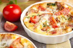 Ontbijtschoteltje met tomaat