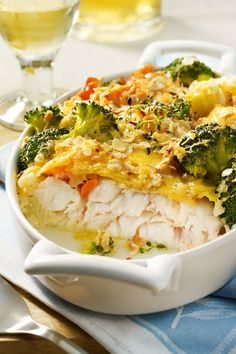 Seelachs-Gemüse-Gratin - Fischgerichte - With lots of fish and vegetables, this casserole is a true low carb dream. Nuts, thyme and cheese top it off. Low Carb Vegetarian Diet, Benefits Of Vegetarian Diet, Balanced Vegetarian Diet, Vegetarian Recipes, Eating Healthy, Clean Eating, Vegetable Gratin Recipes, Vegetable Soup Healthy, Soup Recipes