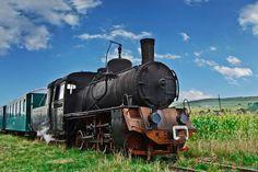 keskenyvágányú vasút...gőzös... Abandoned Train, Tourist Places, Locomotive, Romania, Germany, Around The Worlds, Vehicles, Amazing, Trains