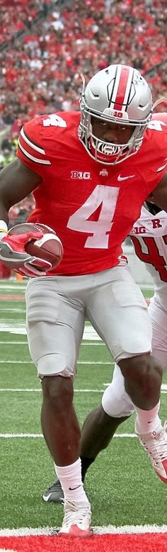 Big Ten opener    11 / 25 Ohio State Buckeyes H-Back Curtis Samuel (4) scores a touchdown against Rutgers Scarlet Knights linebacker Tyreek Maddox-Williams (44) in the second quarter. #TheeOhioStateUniversity #OhioState