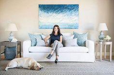 Salon veya oturma odanızda sade bir etki yaratmak için açık renk tonlarını ve birbirine yakın renkleri rahatlıkla kullanabilirsiniz. Dekorasyon ve Kumaş: Fabricut www.nezihbagci.com / +90 (224) 549 0 777 ADRES: Bademli Mah. 20.Sokak Sirkeci Evleri No: 4/40 Bademli/BURSA #nezihbagci #perde #duvarkağıdı #wallpaper #floors #Furniture #sunshade #interiordesign #Home #decoration #decor #designers #design #style #accessories #hotel #fashion #blogger #Architect #interior #Luxury #bursa…