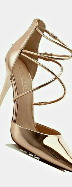 Trendy High Heels For Ladies : Picture Description❇Téa Tosh❇ Pretty Shoes, Beautiful Shoes, Zapatos Shoes, Shoes Heels, Stilettos, Pumps, Mode Shoes, Chic Chic, Dream Shoes