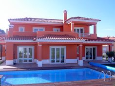 ideas for exterior house paint color combinations spanish style Exterior Siding Colors, Exterior Paint Colors For House, Paint Colors For Living Room, Paint Colors For Home, 4 Bedroom House Designs, Bungalow House Design, House Front Design, Modern House Design, Style At Home