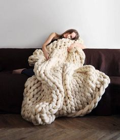 Handmade Chunky Knit Blanket made of wool perfect for