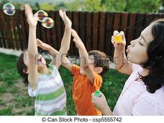 Stock de fotos feliz, niños, juego, burbujas, Al aire libre, selectivo, foco…
