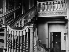 An undated image of the interior staircase of no. 10 Mill Street before it was vandalised. Sash Windows, Windows And Doors, Decorative Pillars, Dissolution Of The Monasteries, Interior Staircase, Hip Roof, Number 10, Dublin City, Planning Permission