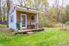 "Cabin in Cottekill, United States. This is an ""off the grid"" cabin, with a double bed and a twin sleeping loft. There is an adjoining  shower with a ECO friendly composting toilet, 100 yds to over 10 miles of rail trail, bring your bikes... We are only 2 miles to Rosendale Village...."
