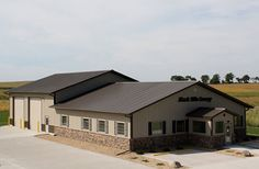 Visit the Lester Buildings Project Library for pole barn pictures, ideas, designs, floor plans and layouts. Barn Homes Floor Plans, Metal Barn Homes, Pole Barn House Plans, Pole Barn Homes, Shop House Plans, Pole Barns, Garage Plans, Pole Building House, Metal Shop Building