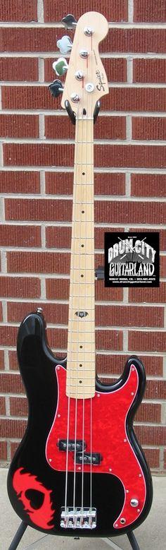 Squier@ Pete Wentz Signature 4 String P Bass