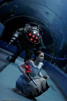 BioShock Cosplay - A Big Daddy and Little Sister