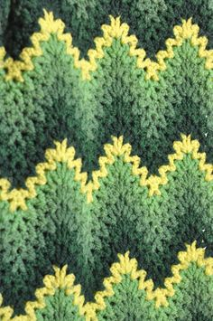 Vintage Afghan 70s Zig Zag Green Chevron Stripes