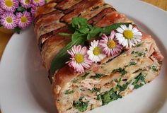 Velikonoční špenátová nádivka Spanakopita, Easter Recipes, Sushi, Ethnic Recipes, Food, Russian Recipes, Polish, Vitreous Enamel, Eten