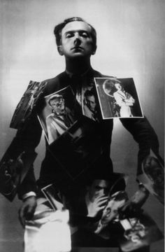 Self-portrait, 1930 - Cecil Beaton an English fashion, portrait and war photographer; a diarist, painter, interior designer and an Academy Award-winning stage and costume designer Vintage Photography, White Photography, Fashion Photography, Famous Photographers, Portrait Photographers, Vanity Fair, The Dark Side, English Fashion, Cecil Beaton