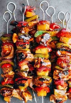 17 Killer Kebab Recipes for the Summer time 2020 Healthy Dinner Recipes, Cooking Recipes, Delicious Meals, Summer Grilling Recipes, Healthy Meals, Cooking Tips, Vegan Recipes, Pineapple Kabobs, Chicken Bacon