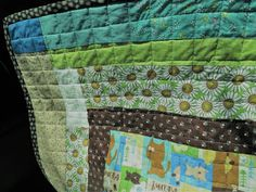 Thrift Shop Commando: Quilt Qwazy Queens and the quilted kennel pad Thrifting, Queens, Sewing Projects, Quilting, Blanket, Shop, Budget, Fat Quarters, Blankets