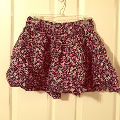 SALE Floral Skirt Cute with a simple, fitted top | NO PAYPAL, NO TRADES, NO HOLDS; & all negotiations through the offer button, please ❤️ Forever 21 Skirts