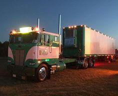 Old Skool Truckin. Old Skool Trucks and Custom Trucks Big Rig Trucks, Semi Trucks, Lifted Trucks, Cool Trucks, Train Truck, Jeep Truck, Peterbilt Trucks, Peterbilt 379, Big Boyz