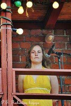 P.S. Rakastan kirjoja -blogin hieno runsaasti kuvitettu raportti 2014 Annikin Runofestivaaleilta. Poetry, Poetry Books, Poem, Poems