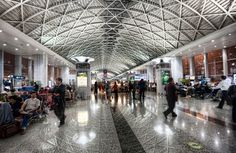 Chengdu's modern airport is the fourth busiest in China (Photo: Christian Ortiz / Flickr)