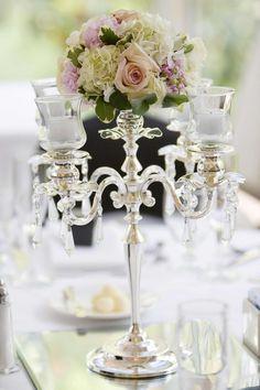 Romantische Hochzeit-Kerzenständer für eine perfekte Tischdeko - Lasst euch von unserer Bildergalerie mit kreativen Ideen inspirieren...