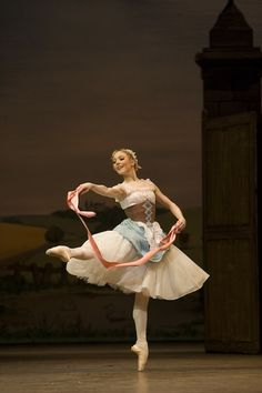 "Sarah Lamb as Lise in ""La Fille Mal Gardée"" (Royal Ballet). Photo by Bill Cooper. Love this ballet!!"