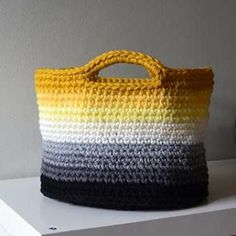 Ombre basket crochet pattern