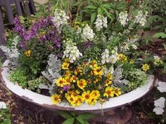 A Container Garden | My Soulful Home