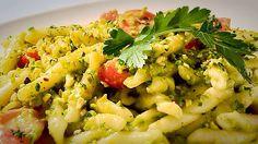 Strozzapreti con Pesto di Pistacchi e Pomodorini