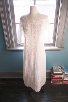 Puerta del cielo... Vintage MEXICAN WEDDING DRESS with vertical pintucks and lace panels
