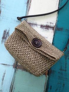 49. 코바늘 에코 클러치 수업 수업장소 : 하남시 덕풍동 동부초 근처 월/수/금 수업합니다 패키지수업 (실+... Crochet Clutch, Crochet Handbags, Crochet Purses, Crotchet Bags, Knitted Bags, Diy Handbag, Macrame Bag, Chunky Crochet, Handmade Bags