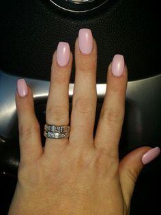 Short coffin nails matte pink