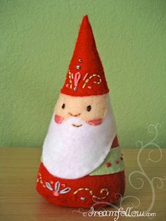 felt gnome by Aimee Ray [I <3 her stuff!]