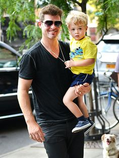 DOTING DAD photo | Robin Thicke