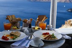 Breakfast with a view. Santorini Greece, Landscapes, Table Settings, Exterior, Breakfast, Paisajes, Morning Coffee, Scenery, Place Settings