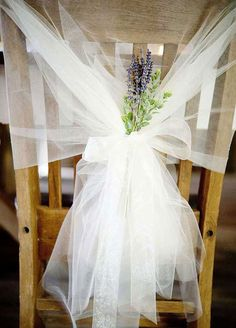 Besides smelling beyond lovely – lavender is one of the most beautiful flowers that you can incorporate into your wedding day. These delicate blooms are incredibly romantic and give off an ethereal feel to your overall décor. If you're ready to fall in love with lavender, then look no further – here