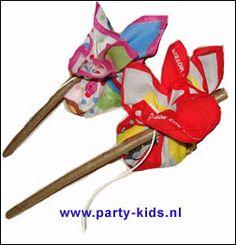 knapzakjes bij afscheid - Peuters en kleuters, Traktatie snoep, Traktaties - En nog veel meer traktaties, spelletjes, uitnodigingen en versieringen voor je verjaardag of kinderfeest op Party-Kids.nl