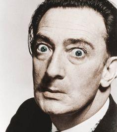 Foto : Salvador Dalí sem seu bigode