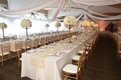 Reception at Meadowbrook Country Club | Photography:  Stephen Seebeck Photography | Wedding Planner: Cosmopolitan Events