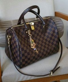 2019 New Louis Vuitton Handbags Collection for Women Fashion Bags Must have it Burberry Handbags, Louis Vuitton Handbags, Fashion Handbags, Purses And Handbags, Fashion Bags, Leather Handbags, Gucci Bags, Lv Bags, Louis Vuitton Speedy 30