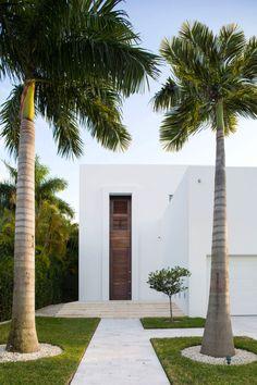 • Biscayne Bay Residence • Designed by Strang Architecture E N V I B E