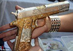 beautiful gun! http://www.facebook.com/pages/Suzi-Homefaker/157277567665756