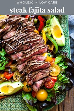This fajita salad is loaded with tender steak, veggies, and a quick and flavorful dressing. low carb, and keto, it's a healthy Mexican dinner recipe that you can throw together in about half an hour! Fajitas Au Steak, Steak Salad, Paleo Recipes, Low Carb Recipes, Crockpot Recipes, Healthy Steak Recipes, Cooking Light Recipes, Cooking Kale, Goulash Recipes