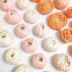 Eat Cake Be Merry Buttercream flower cake :: xLaurieClarkex-- neat! Camellias and ranunculus in buttercream!