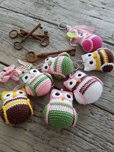 Knitting Patterns Hand Crochet Little Sweet Woodland Owl by SarahWolfdesign on Etsy Crochet Owls, Cute Crochet, Crochet Animals, Hand Crochet, Crochet Baby, Loom Knitting, Knitting Patterns, Crochet Patterns, Crochet Keychain