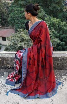An idea for ikat/ shibori sari Sambalpuri Saree, Saree Poses, Anarkali, Kalamkari Saree, Chiffon Saree, Cotton Saree, Saris, Indian Attire, Indian Wear