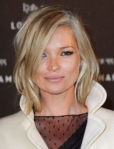 Leave it up to the 40-year-old British supermodel to start a new beauty trend — graylights — which she gorgeously debuted on the red carpet in January 2010. We love how her white roots blend seamlessly into her blonde tresses.
