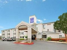 San Antonio (TX) Sleep Inn Medical Center United States, North America Located in Balcones Heights, Sleep Inn Medical Center is a perfect starting point from which to explore San Antonio (TX). Both business travelers and tourists can enjoy the hotel's facilities and services. To be found at the hotel are dry cleaning, laundry service, shuttle service, 24-hour front desk, facilities for disabled guests. Guestrooms are designed to provide an optimal level of comfort with welcomi...